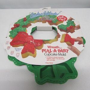 Create & Celebrate Silicone Christmas Wreath Pan